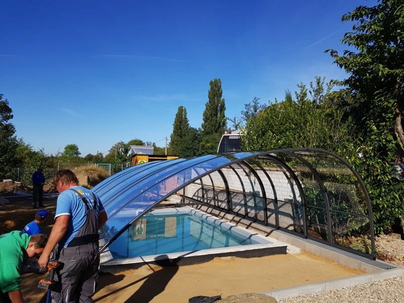 Swimminpool mit Überdachung von Swimingpool24 in Leuna - Referenz
